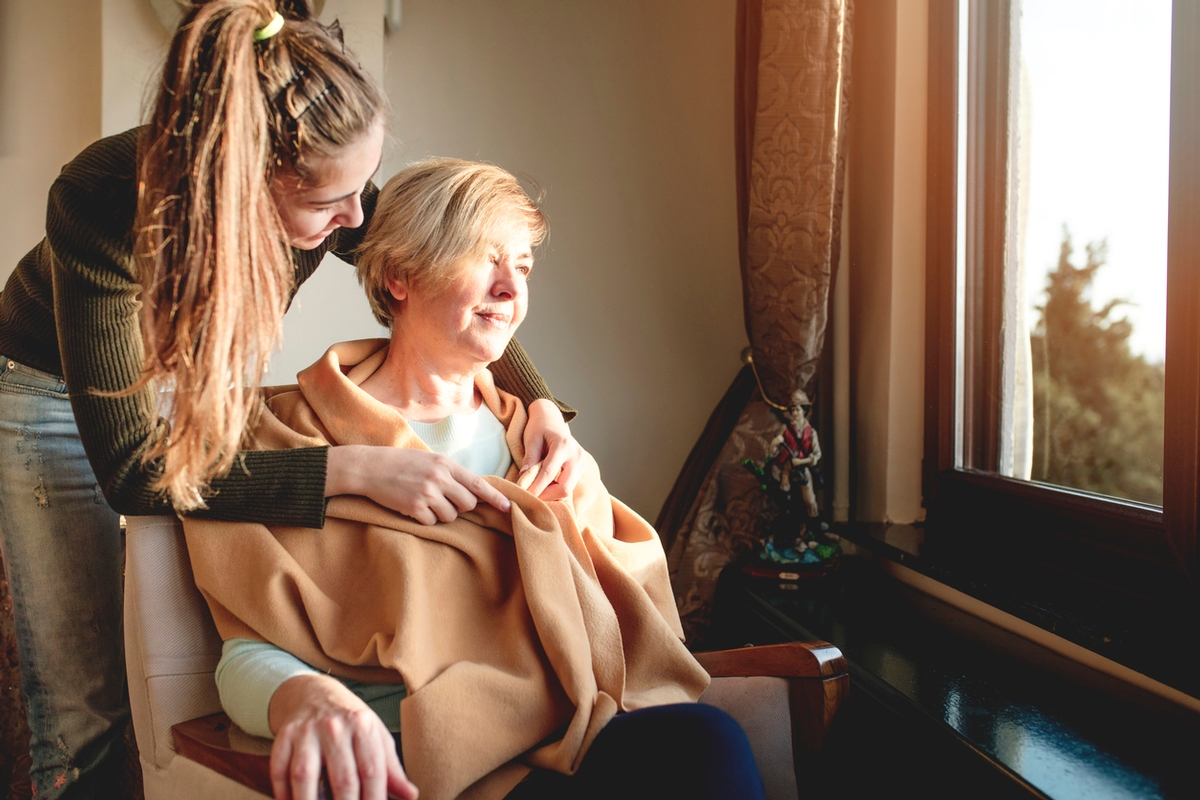 What to expect: Becoming A Family Caregiver for Someone With Dementia