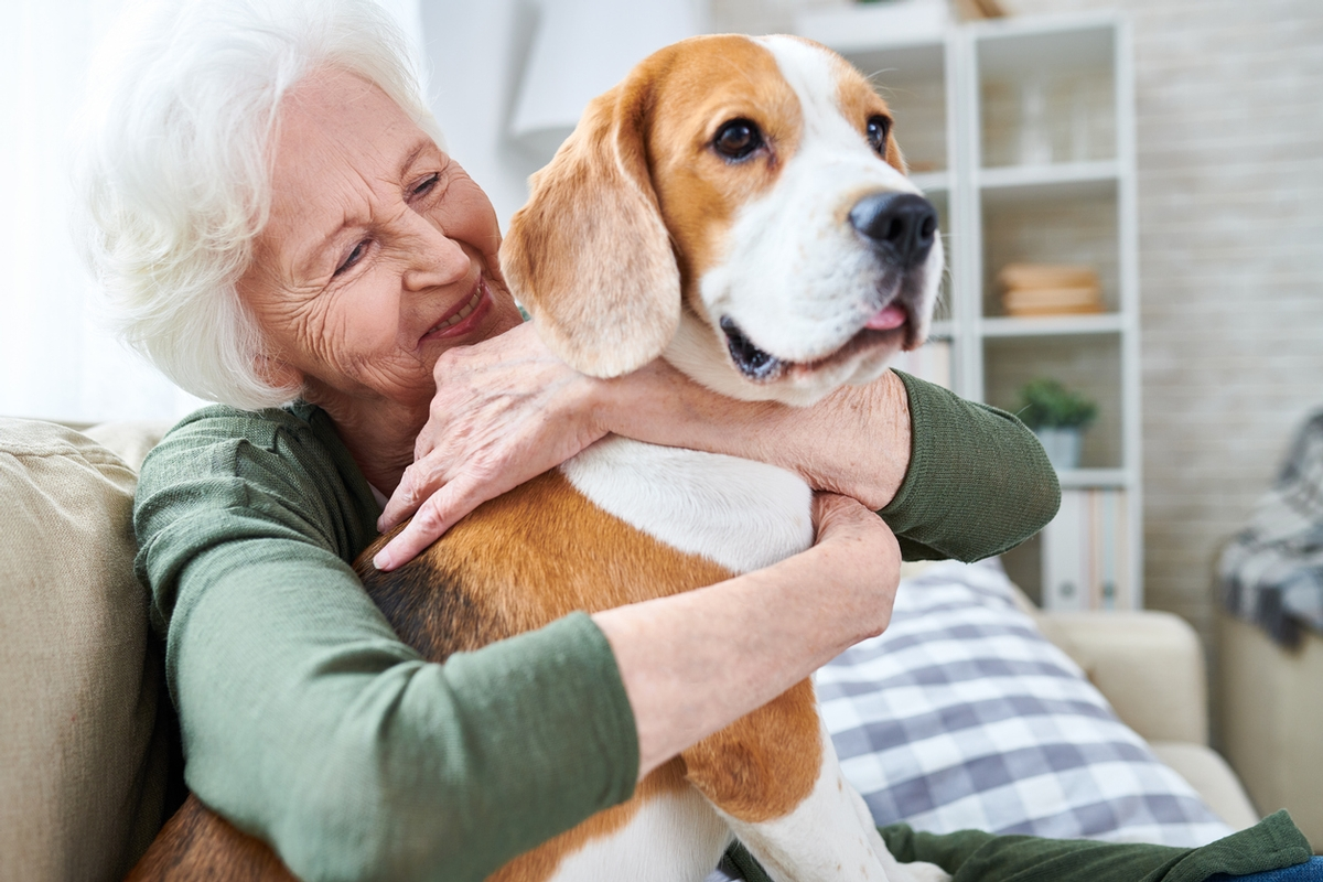 Five Benefits of Pet Friendly Assisted Living Homes